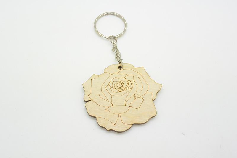 Ξύλινο Μπρελόκ τριαντάφυλλο (600064)