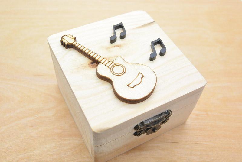 Μπομπονιέρα Ξύλινο κουτί ακουστική κιθάρα (152067)